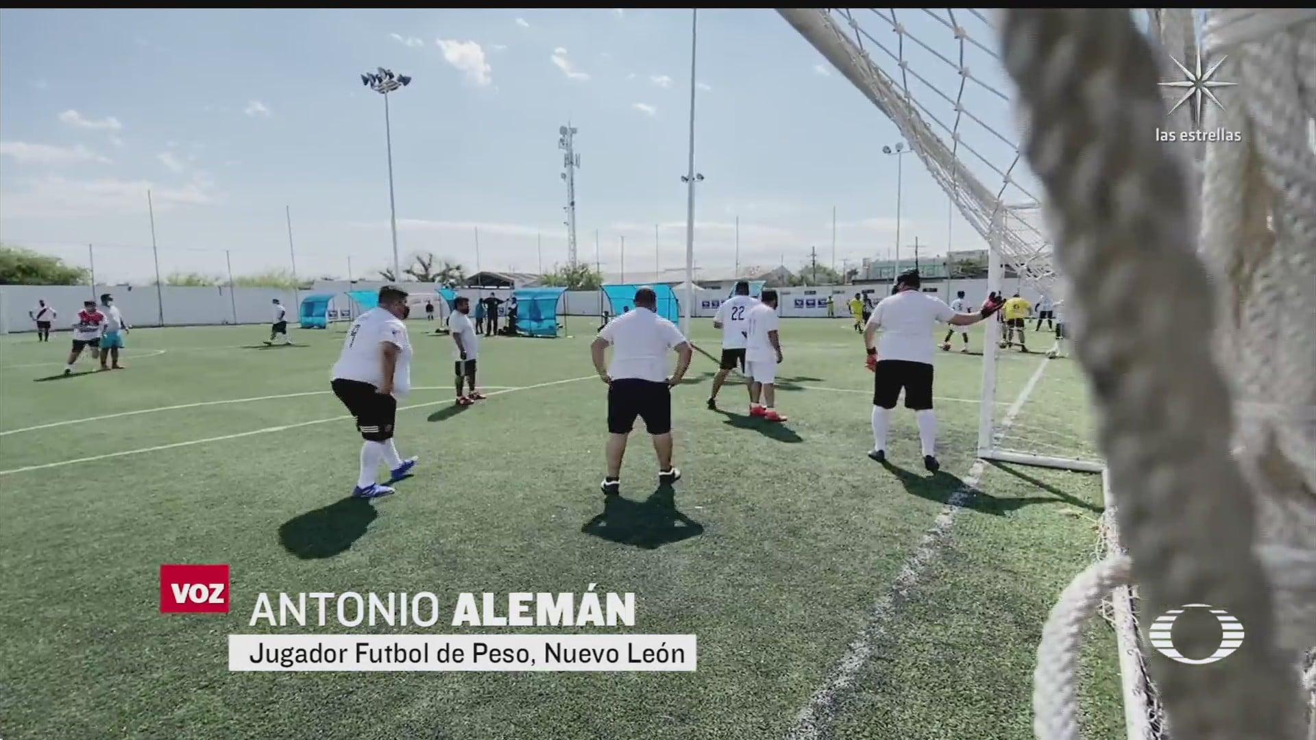participantes de liga de futbol para personas con sobrepeso pierden el incentivo