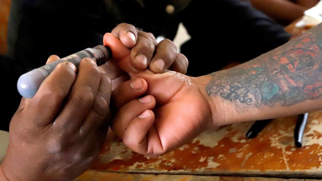 Personas en prisión preventiva votan para las elecciones 2021 por primera vez en la historia