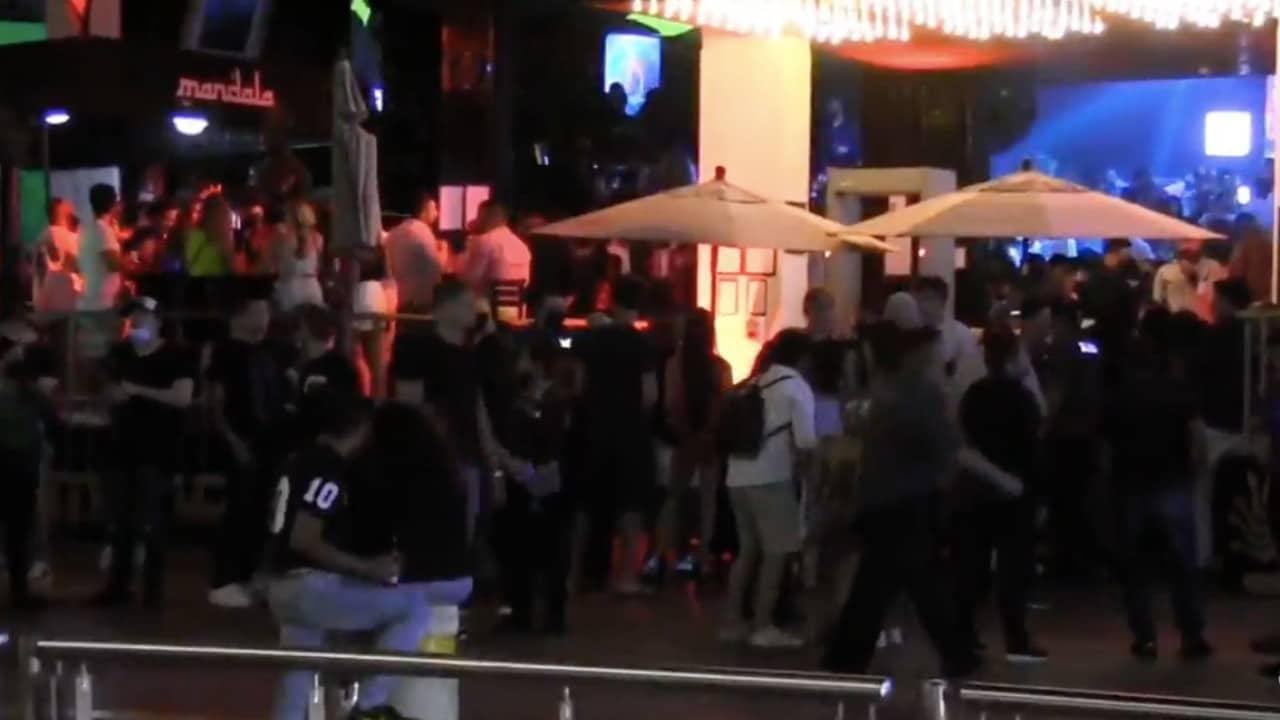 Pese a riesgo de tercera ola por COVID, Quintana Roo descarta cierre de bares y centros nocturnos