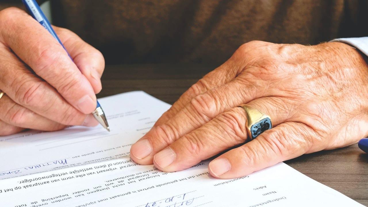 ¿Cómo saber si te incluyeron en un testamento vía el Renat?