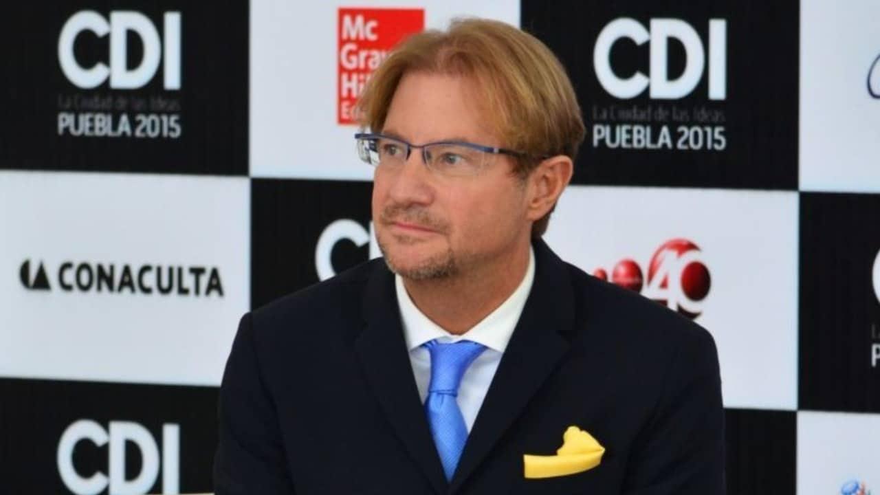 Interpol emite ficha roja contra Andrés Roemer tras acusaciones de violación