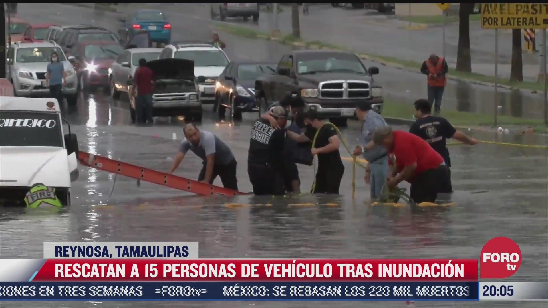 rescatan a 15 personas de vehiculo tras inundacion en reynosa