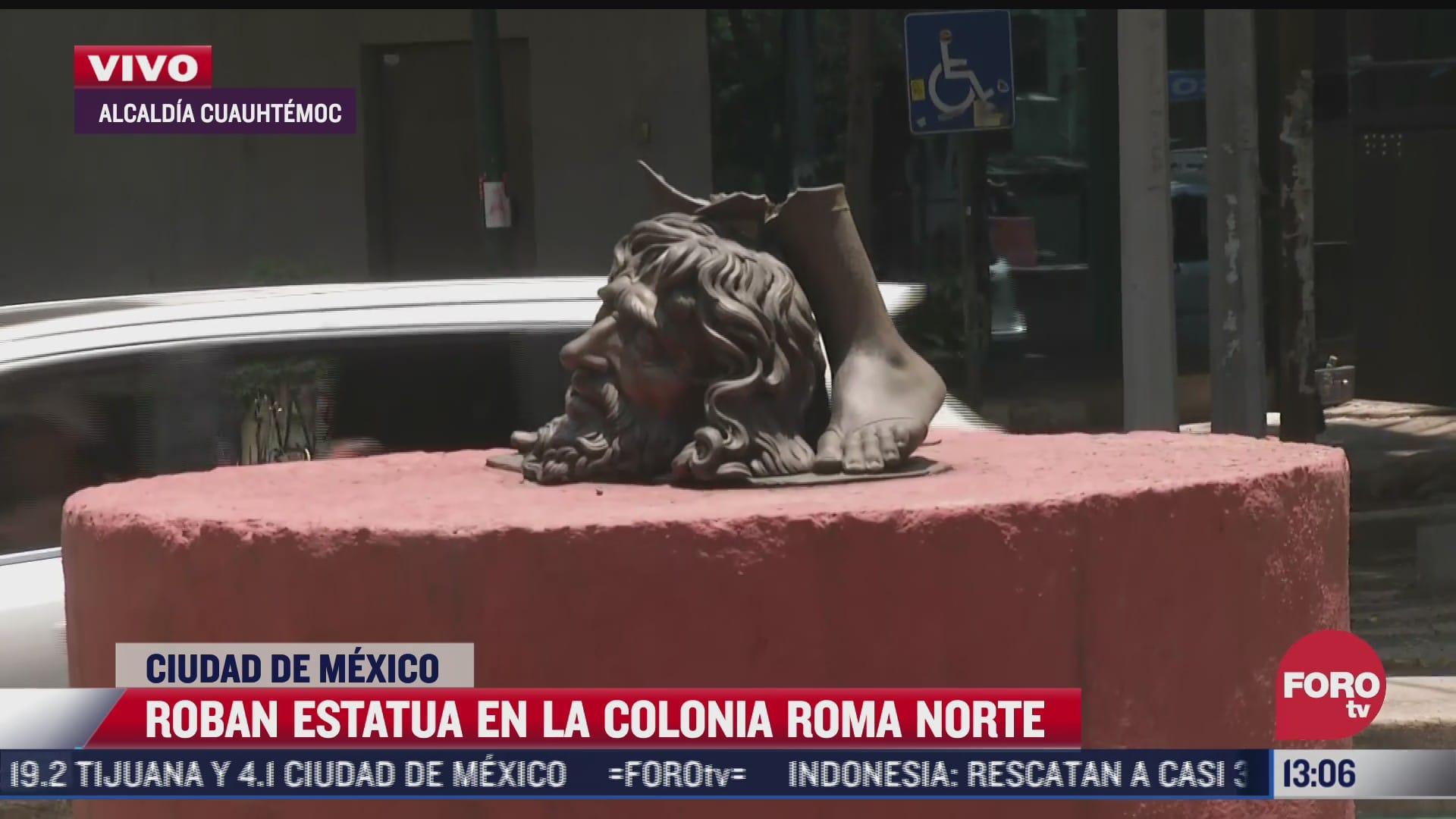 roban estatua en la colonia roma norte