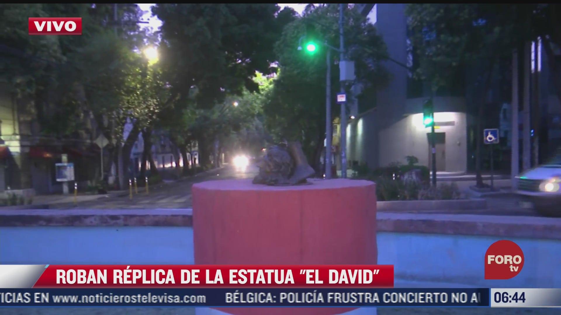 roban replica de la estatua de bronce el david en la roma norte cdmx