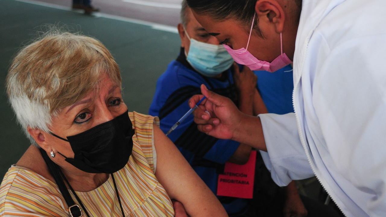Tlalpan e Iztapalapa aplicarán segunda dosis a adultos mayores