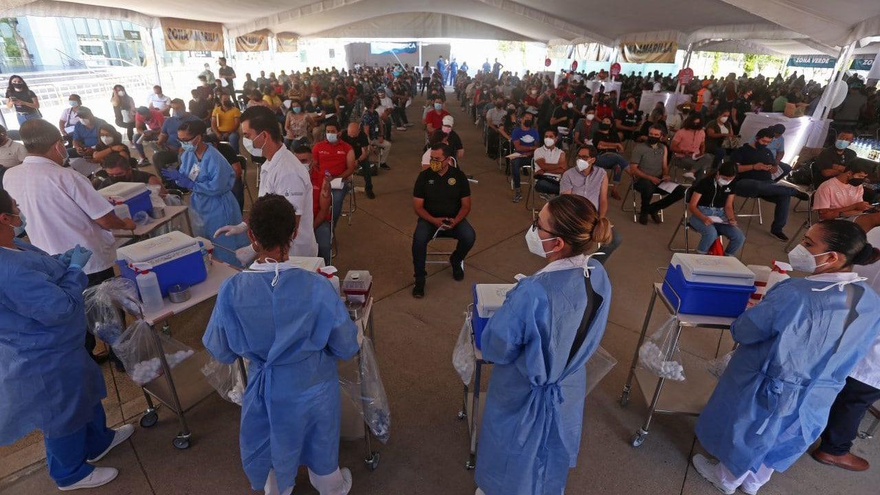 México suma más de 21 millones de personas vacunadas contra COVID-19