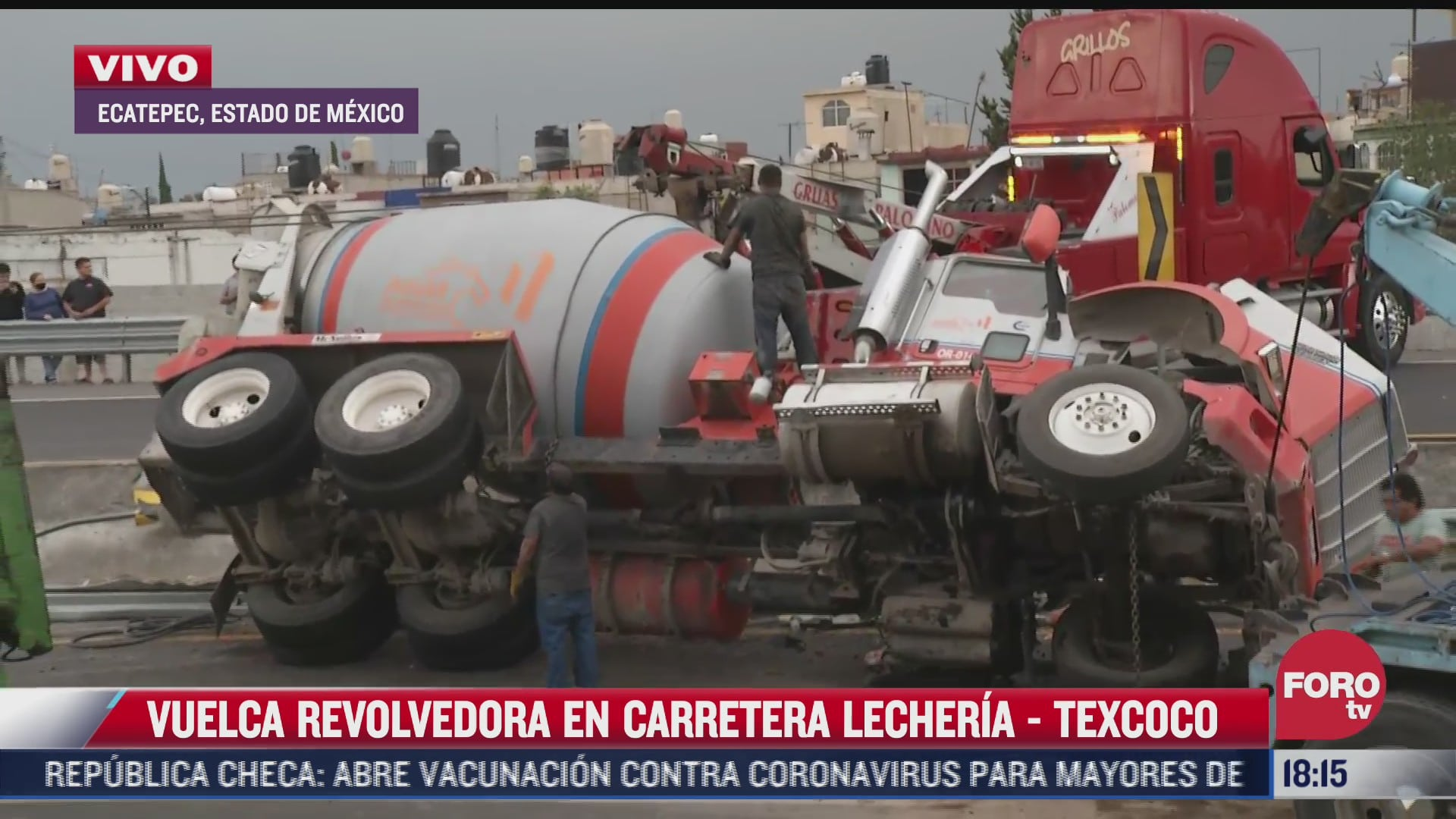 vuelca revolvedora en carretera lecheria texcoco