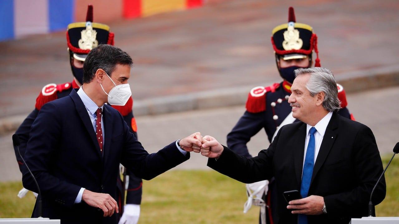 Pedro Sánchez primer ministro de España y Alberto Fernández, presidente de Argentina (Getty Images)