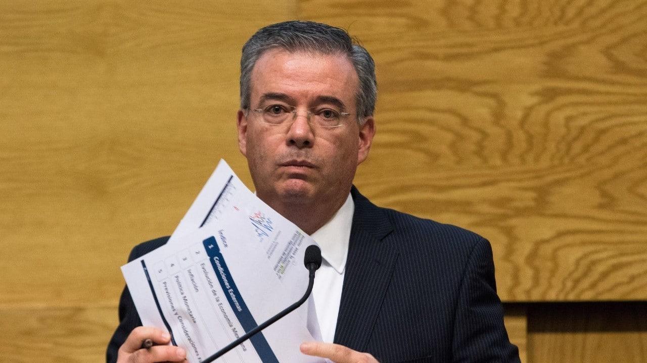 Gobernador-de-Banxico-niega-interferencias-del-gobierno