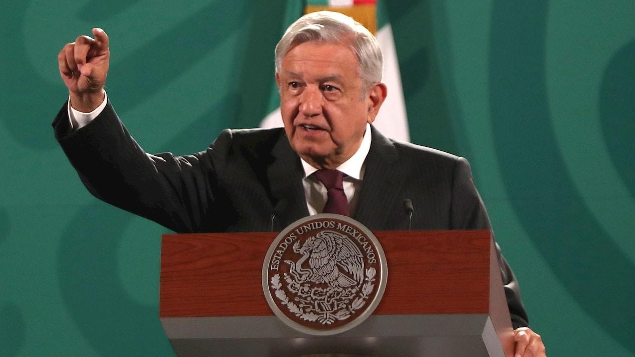 Andrés Manuel López Obrador, presidente de México, responde a la prensa durante la conferencia mañanera