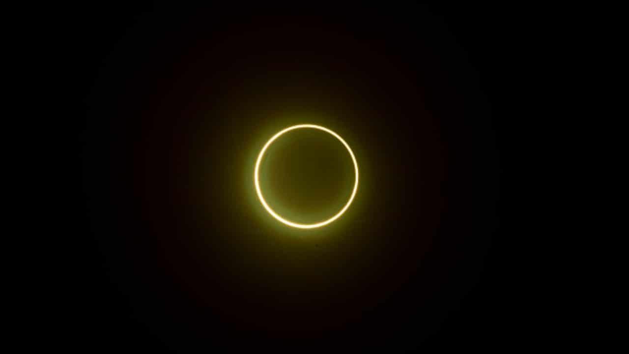 Anillo de fuego creado por eclipse solar