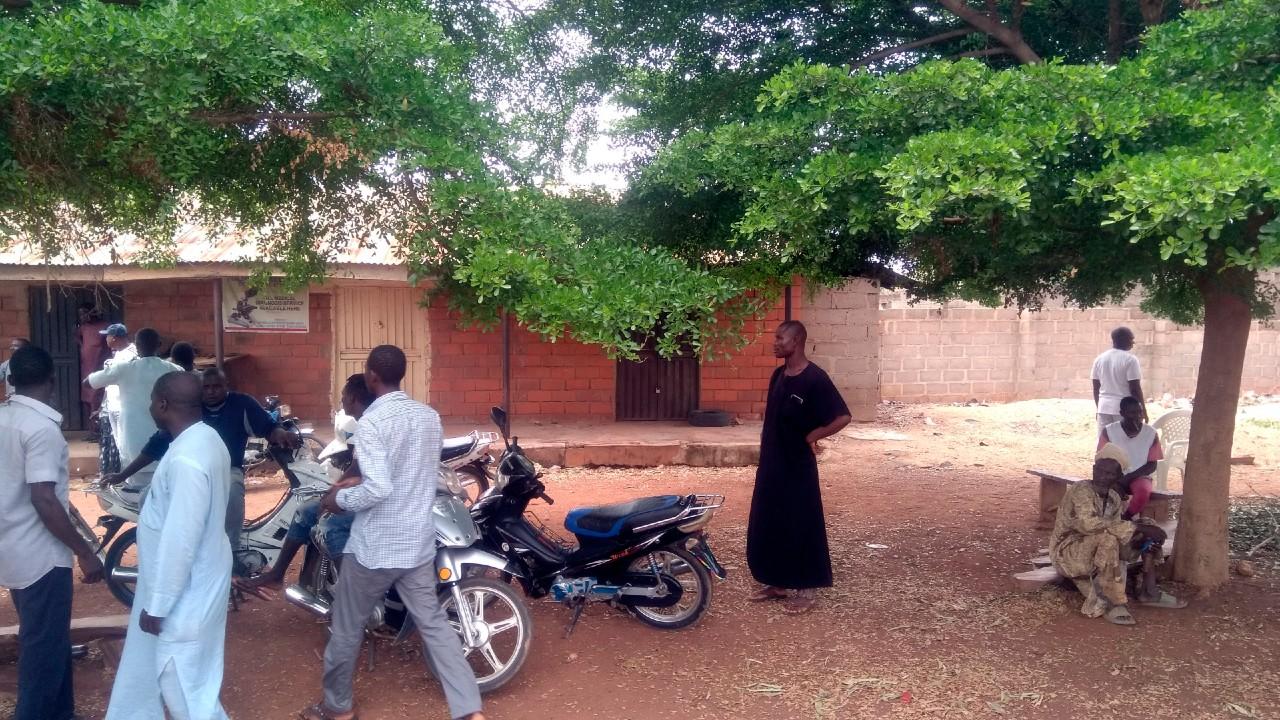 Autoridades de Nigeria confirman el secuestro de 136 niños el domingo
