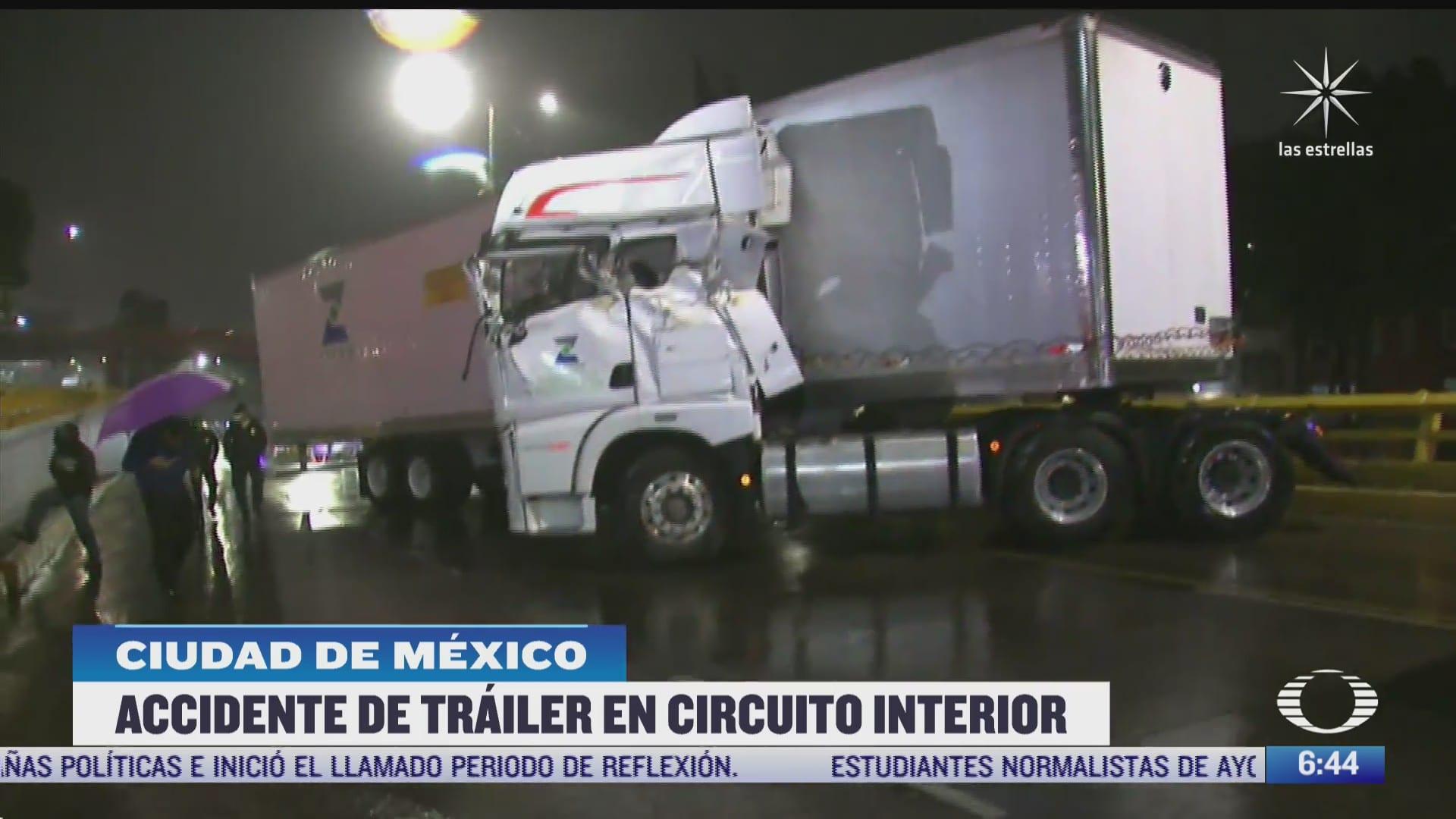 choca trailer en circuito interior cdmx