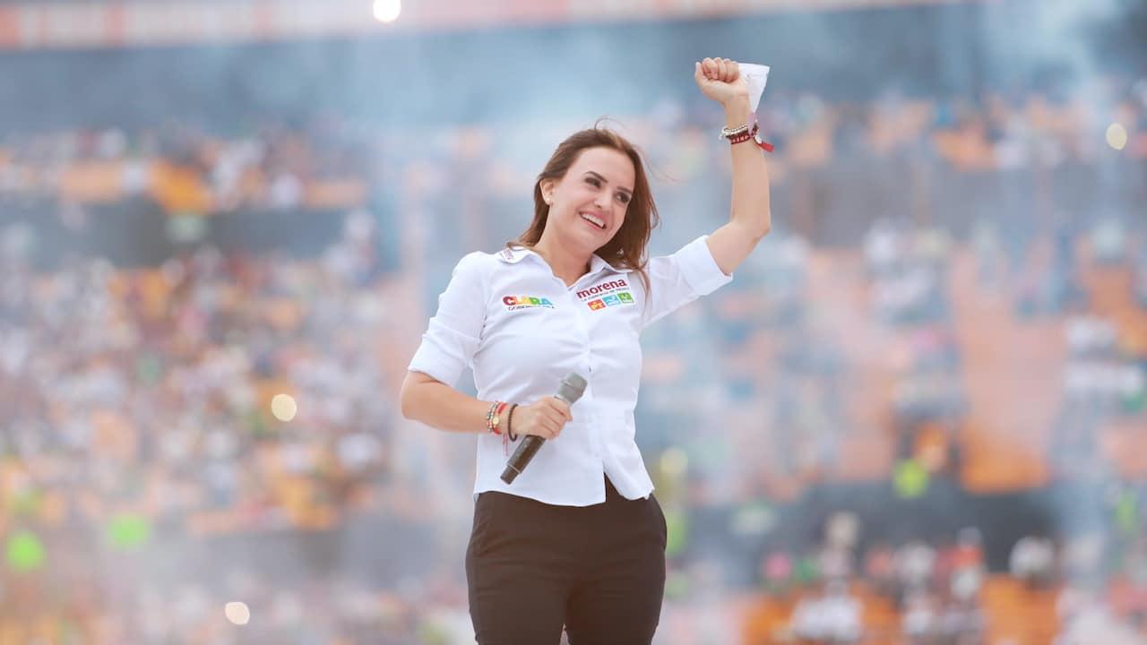 Clara Luz realiza cierre de campaña en estadio Universitario de Nuevo León