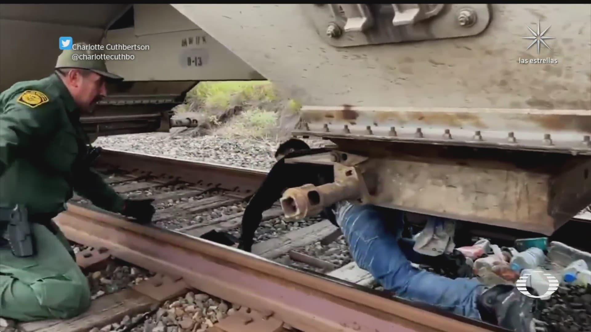 descubren a migrantes ocultos en tren