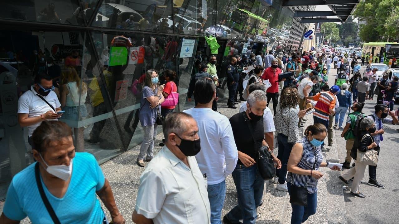 Fluye vacunación de adultos mayores en la Benito Juárez tras habilitar módulo alterno
