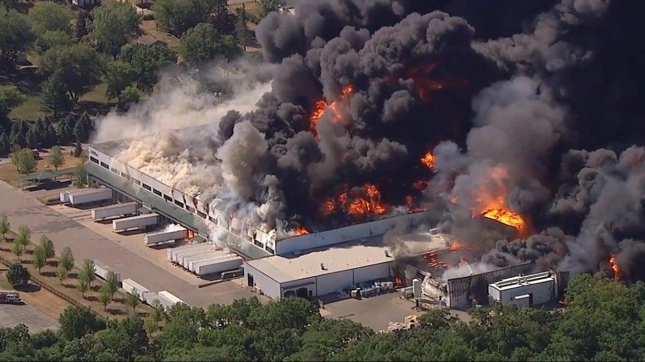 Video: Explota planta química en Rockton, Illinois