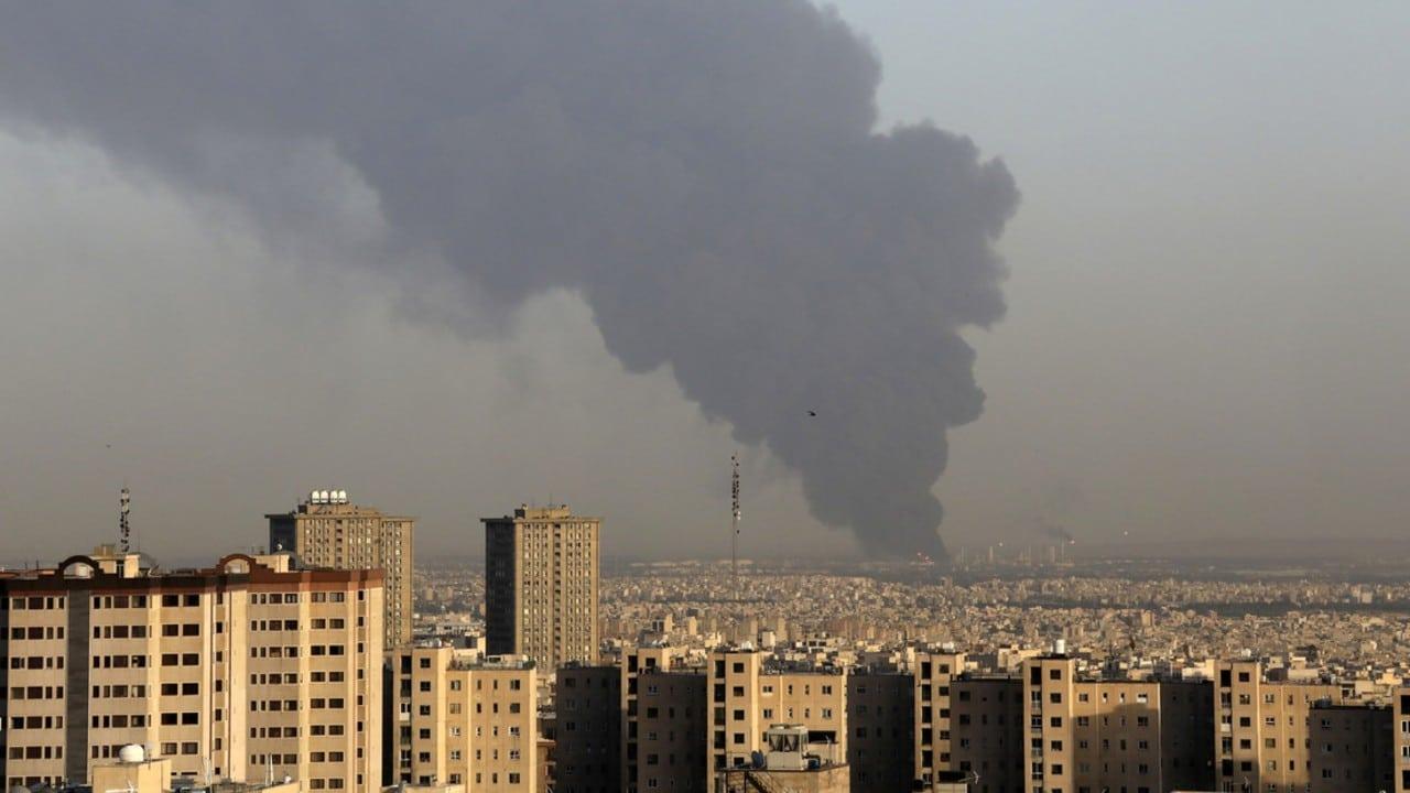 Fuga de gas provoca incendioen refinería de Teherán