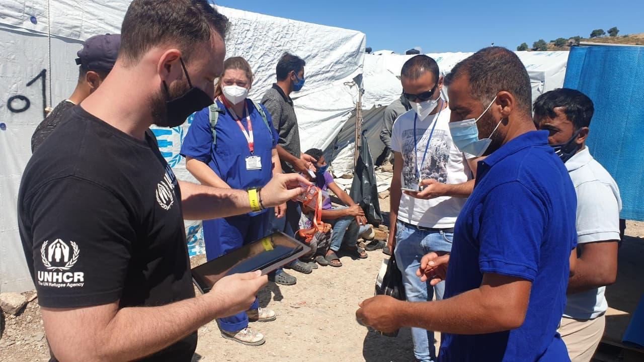 Grecia inicia vacunación a refugiados de islas del Egeo