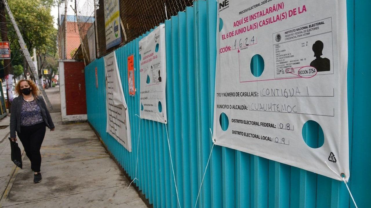 Pancartas que informan de instalación de casilla del INE (Cuartoscuro)