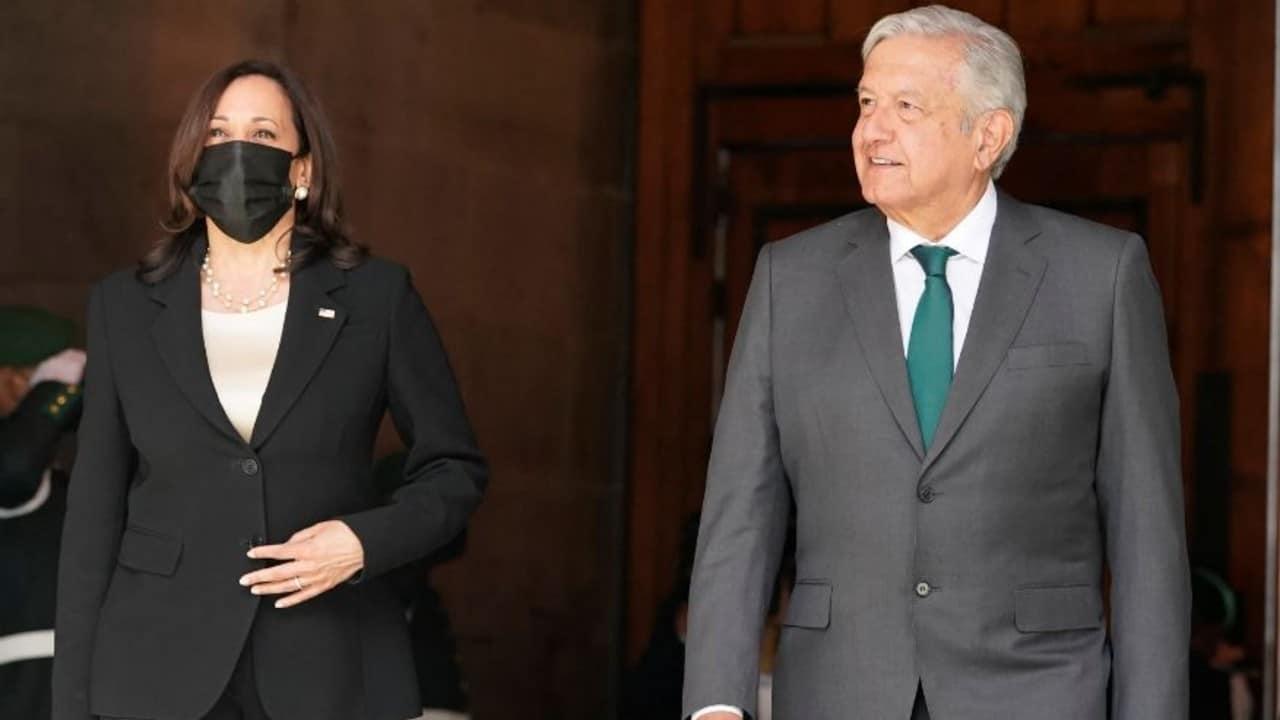 Kamala Harris es recibida en Palacio Nacional