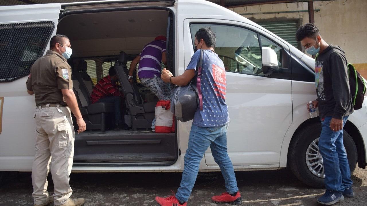 Rescatan a 35 migrantes centroamericanos en Puebla