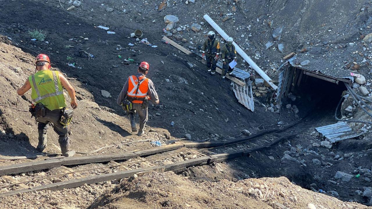 Continúan los trabajos de rescate de los mineros atrapados en Coahuila