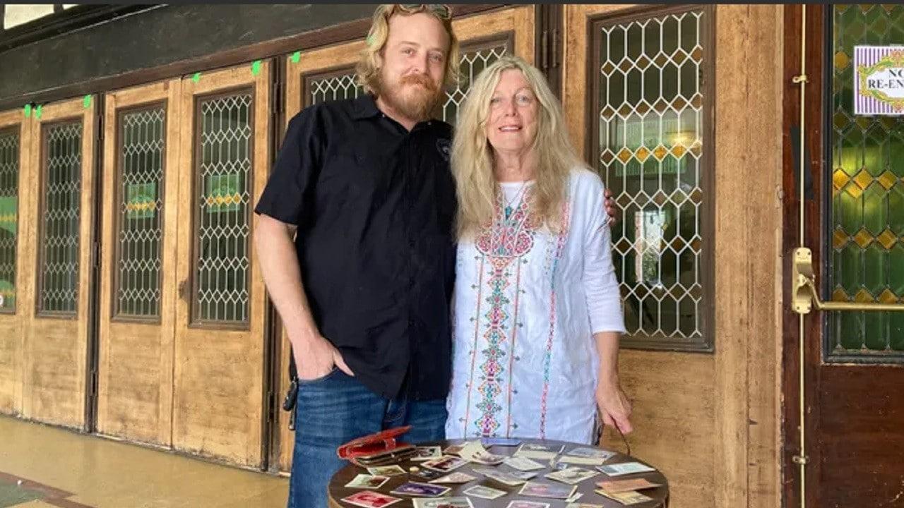 Mujer-recupera-su-billetera-perdida-hace-46-años