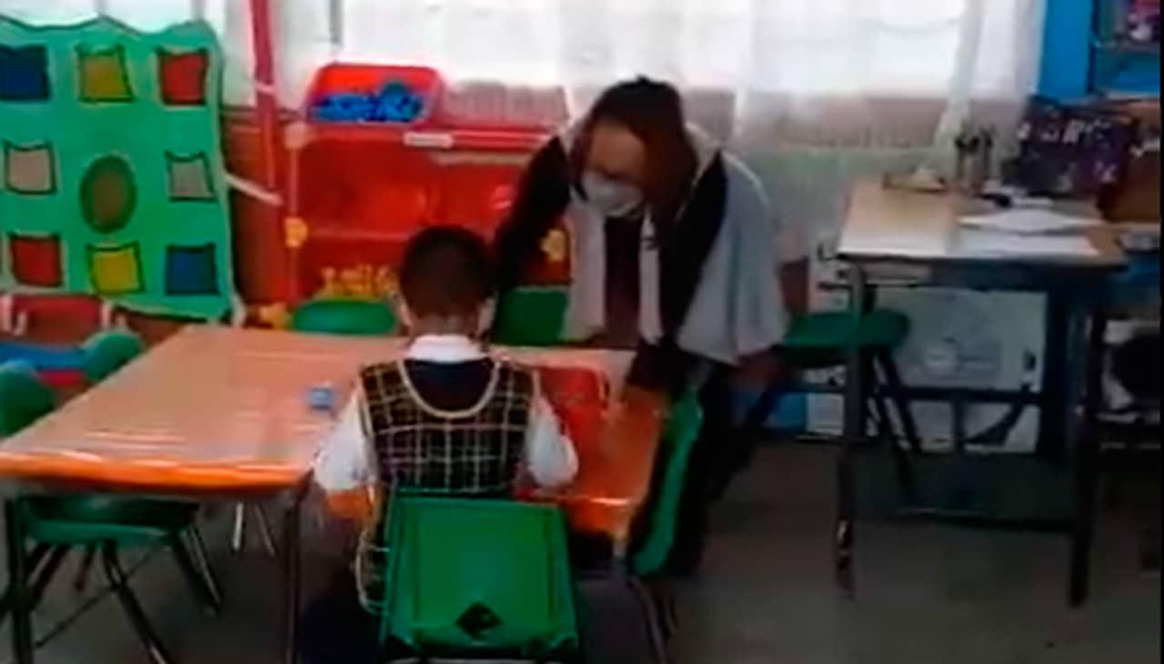 Niño de 5 años el único en regreso a clases presenciales en escuela de Ecatepec