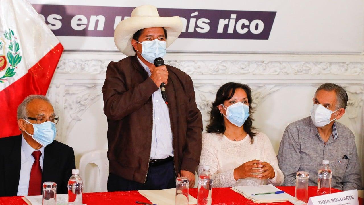 Partidarios de Keiko Fujimori y Pedro Castillo se manifiestan en Perú