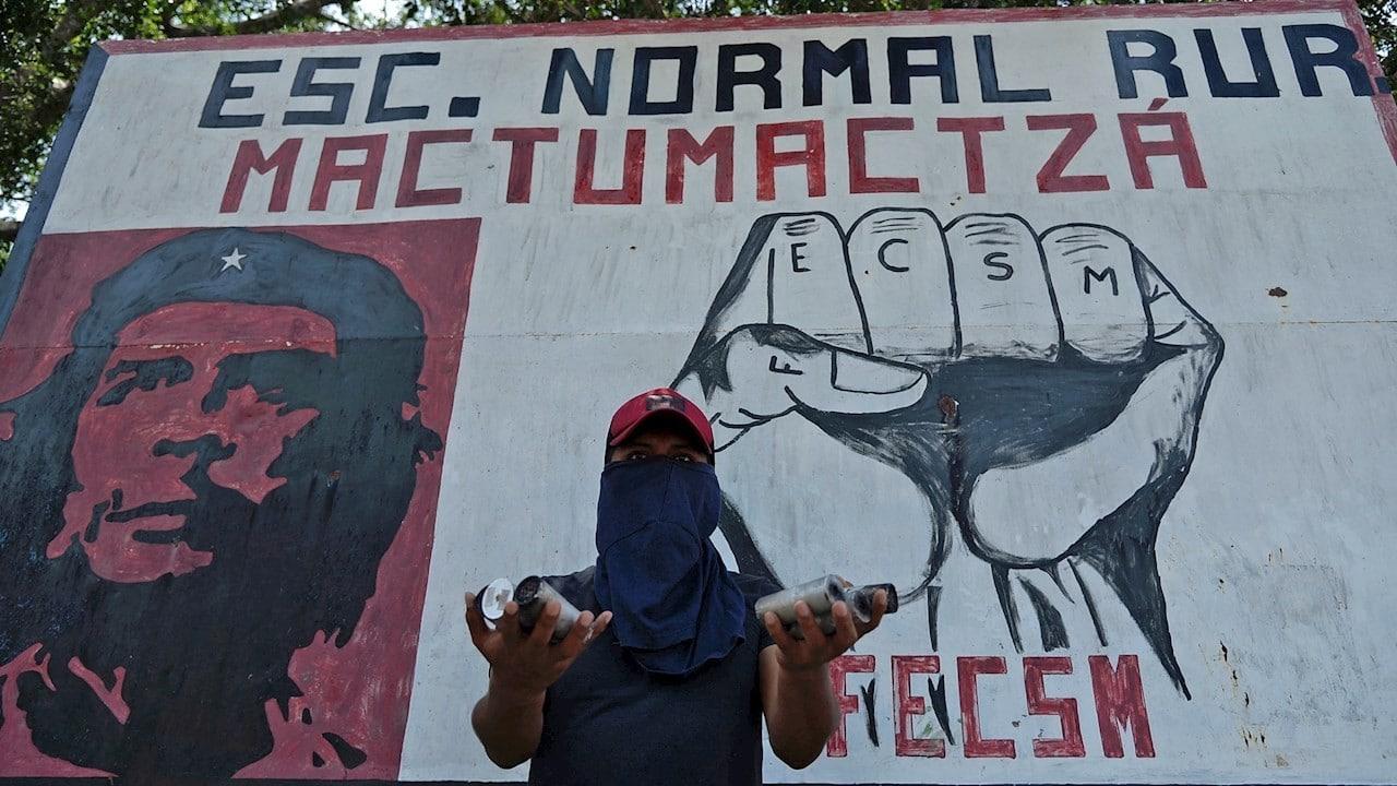 Continúan-protestas-de-normalistas-en-Chiapas
