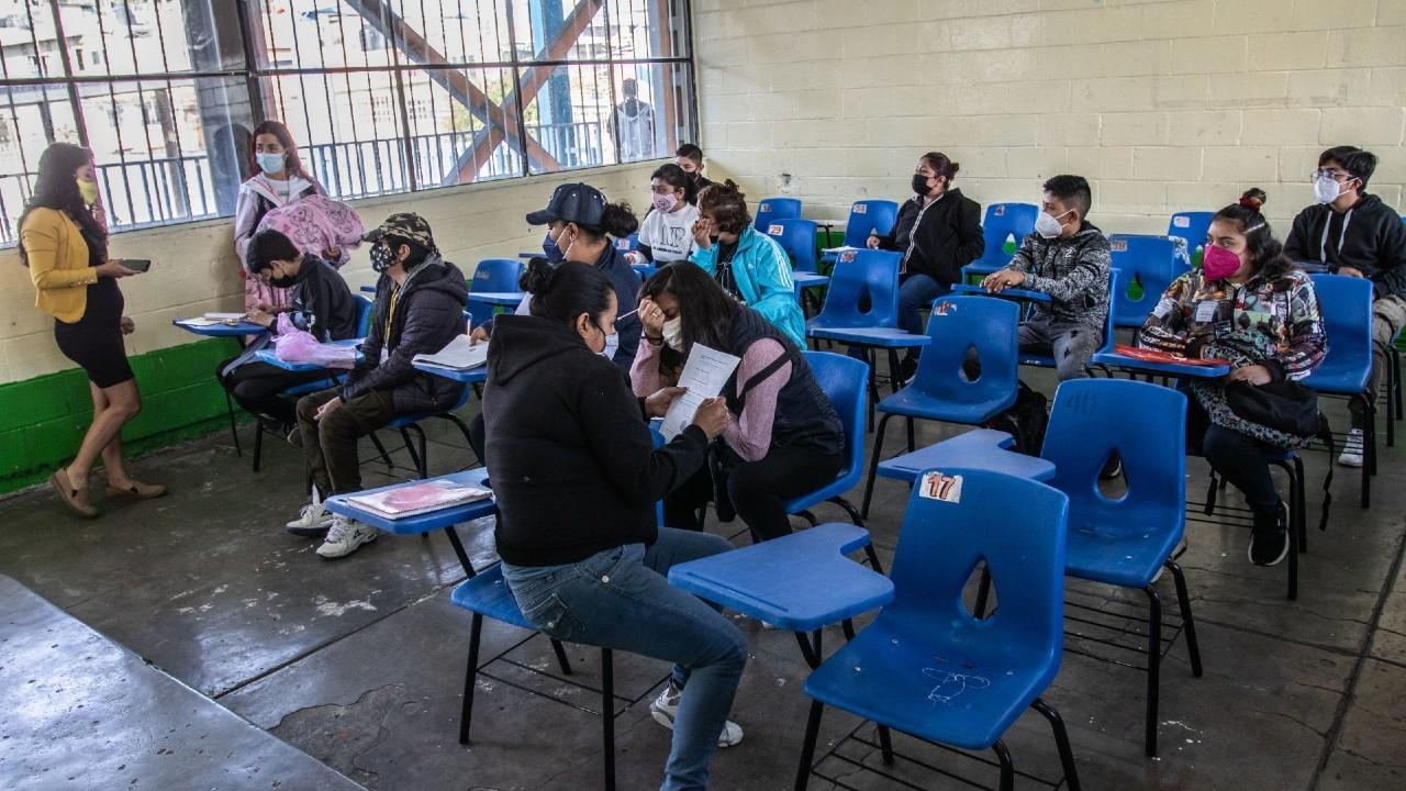 Purificadores de aire, alternativa para ventilar salones de clases presenciales tras pandemia