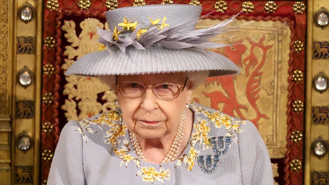 Reina Isabel II 'encantada' por el nacimiento de la hija de los duques de Sussex