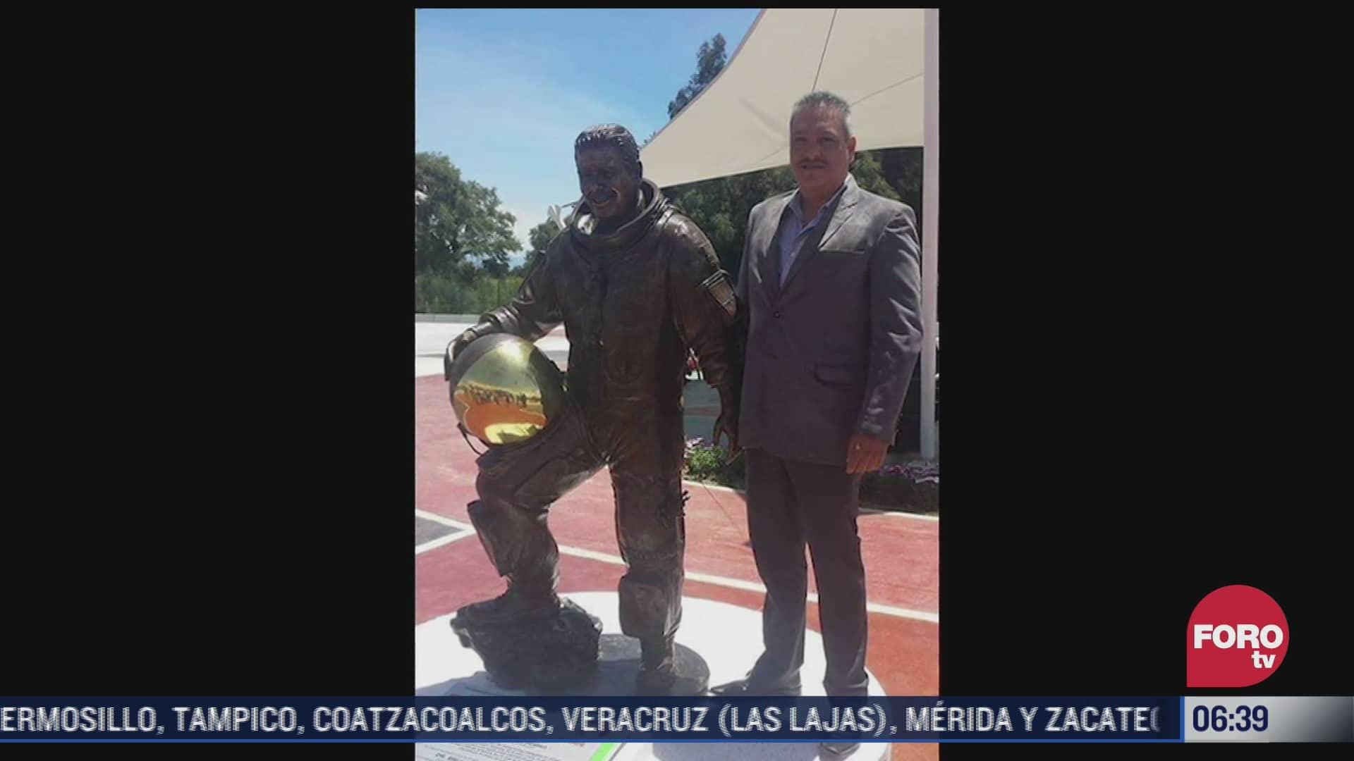 roban estatua en honor al astronauta mexicano jose hernandez