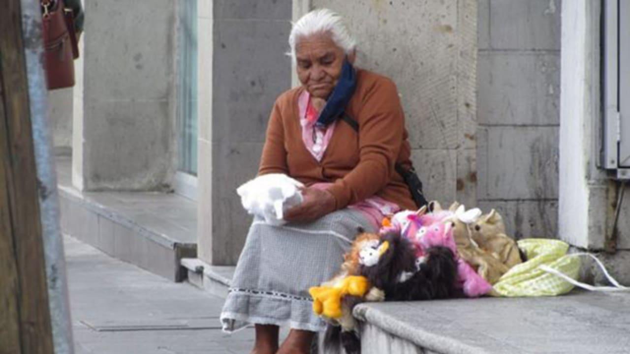 títeres, mercancía, Toluca, adultos mayores, redes sociales
