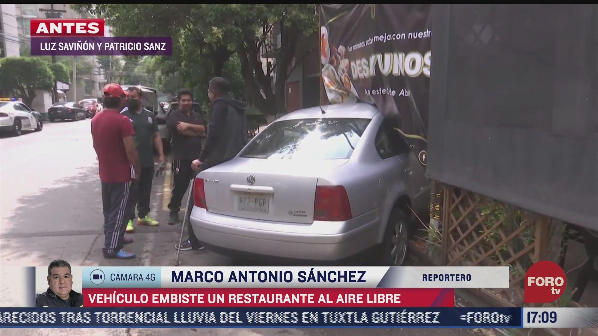 vehiculo se impacta en restaurante en la cdmx