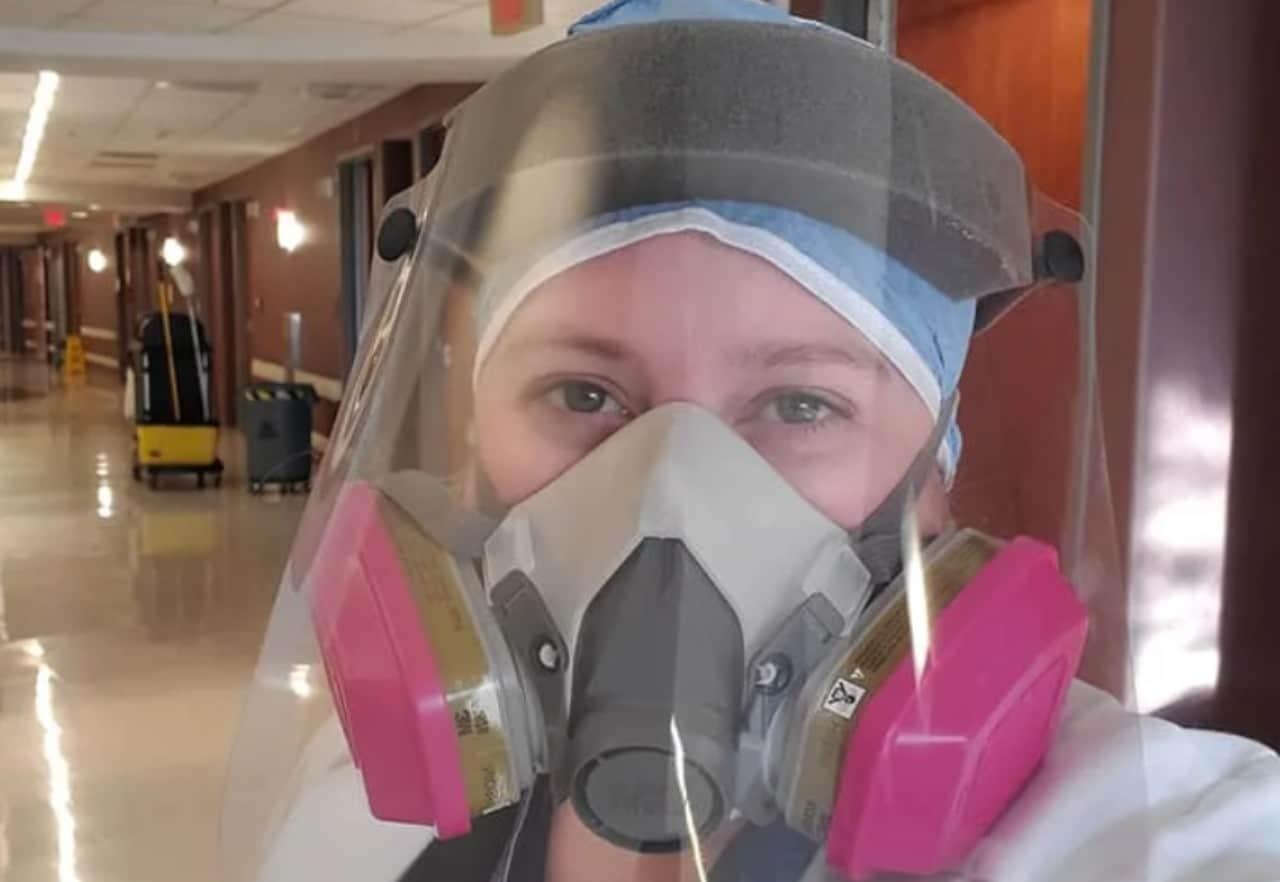 Doctora atiende enfermos de COVID-19 que no creían en vacuna