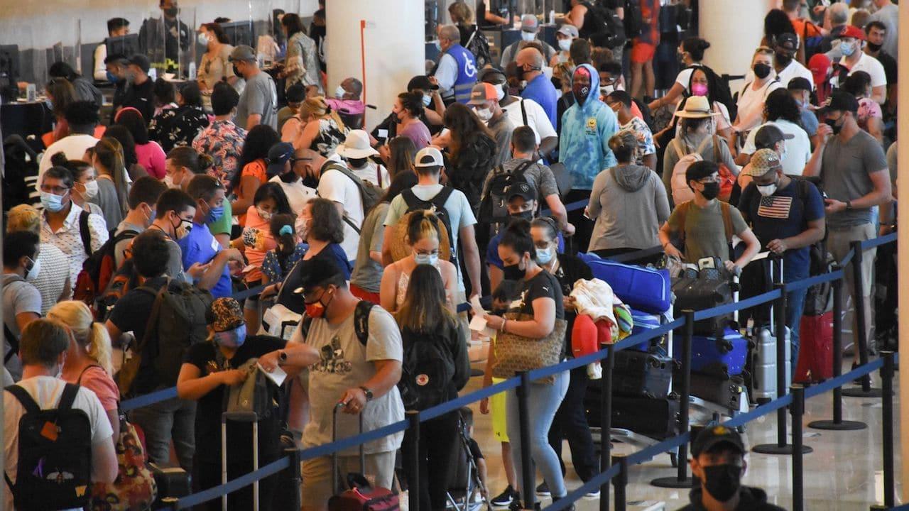Estudiantes COVID-19 Viaje Cancún