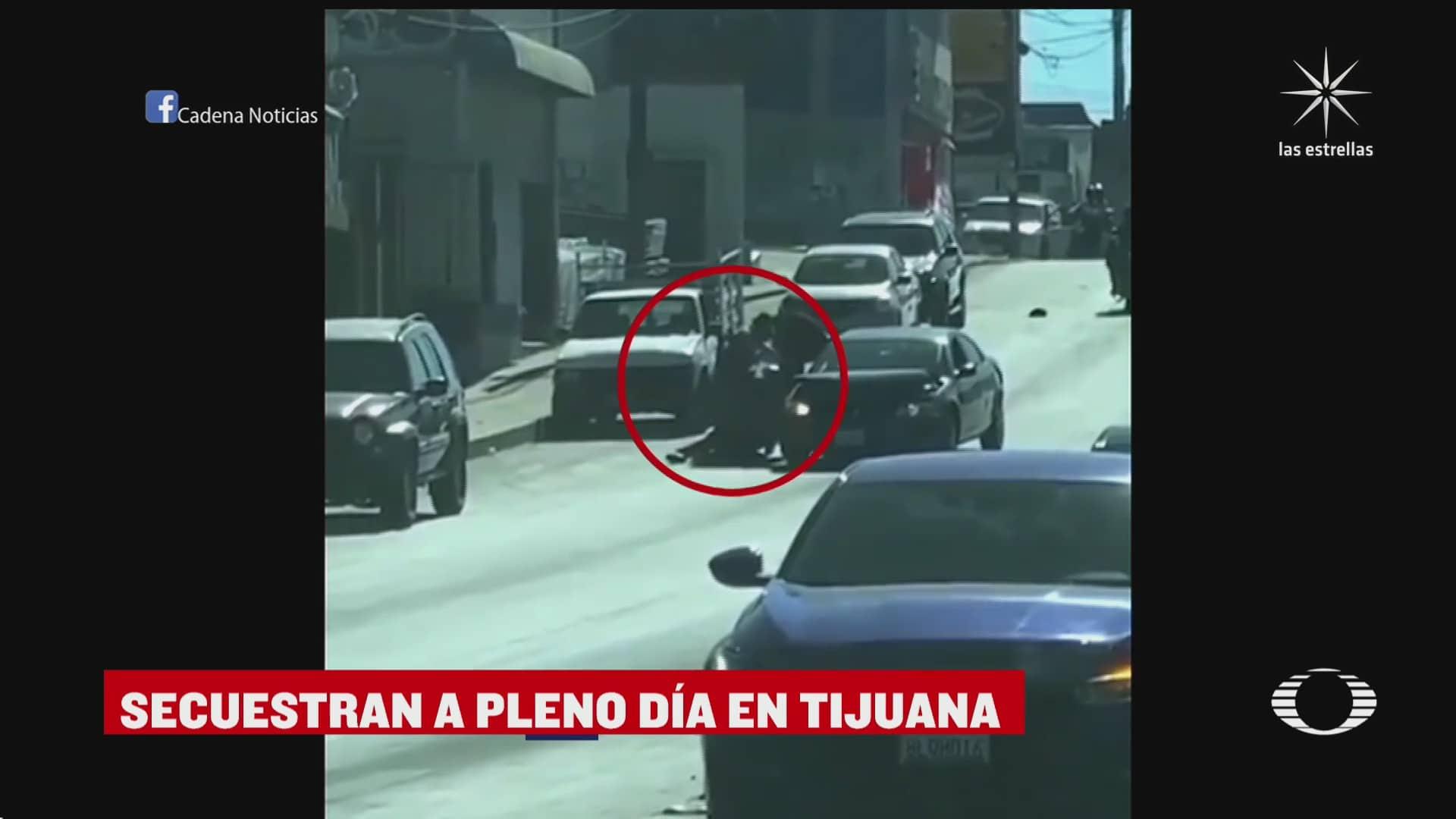 a plena luz disparan a un hombre que intentaron secuestrar en tijuana