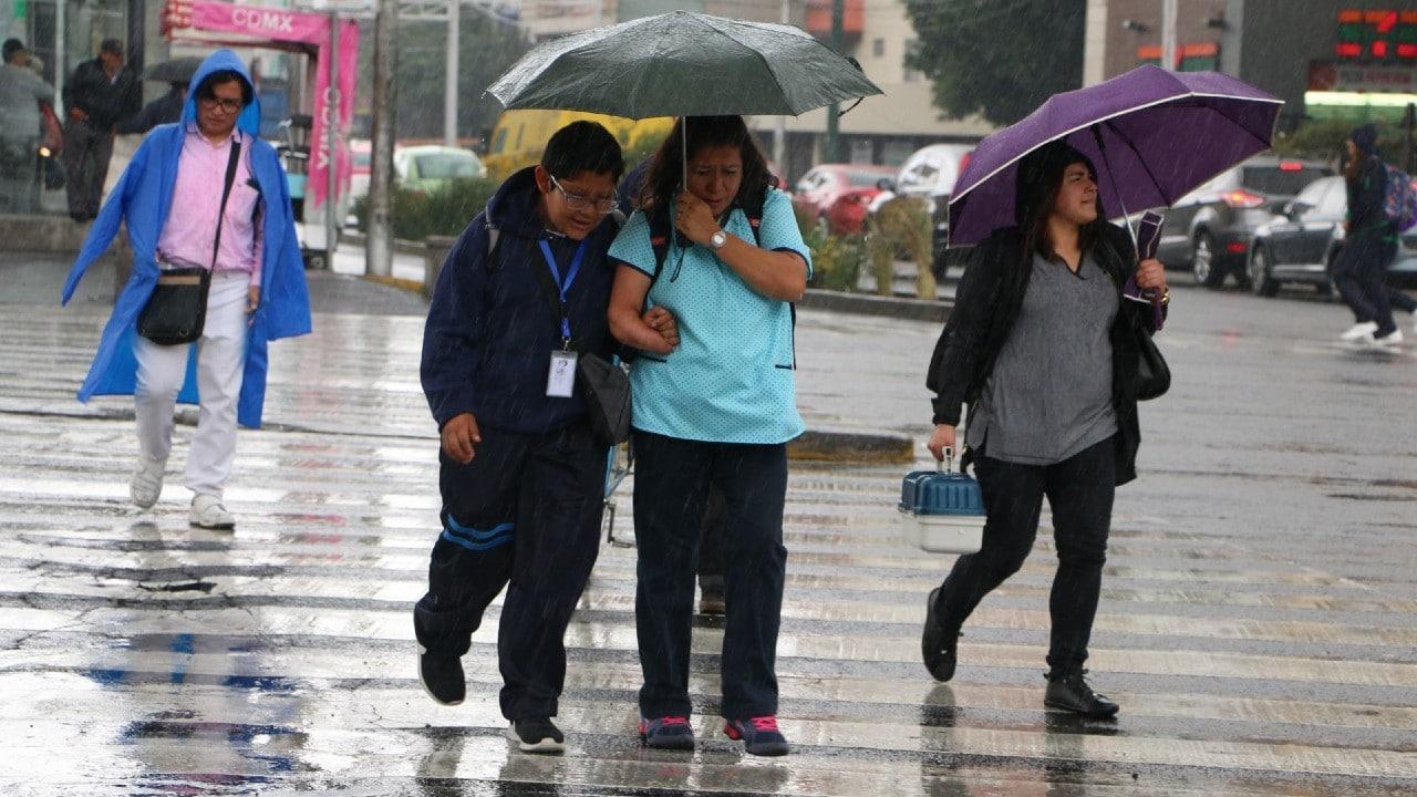 Activan alerta amarilla por pronóstico de fuertes lluvias en 7 alcaldías de la CDMX