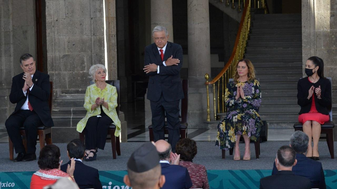 El presidente Andrés Manuel López Obrador encabeza ceremonia por 238 aniversario del natalicio de Simón Bolívar