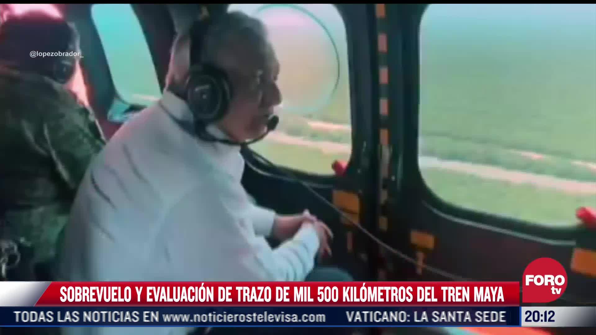 AMLO realiza sobrevuelo sobre trazo del Tren Maya