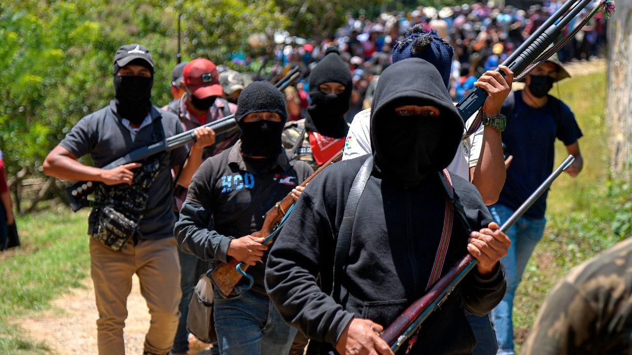 Indígenas de Chiapas apoyan a grupo de autodefensa 'Los Machetes'