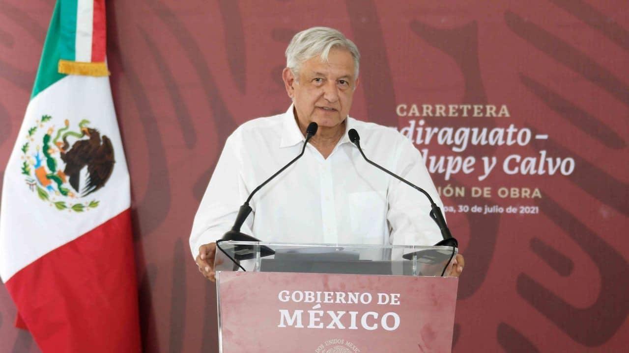 Andrés Manuel López Obrador, durante la supervisión de la Carretera Badiraguato-Guadalupe en, Sinaloa (Cuartoscuro)