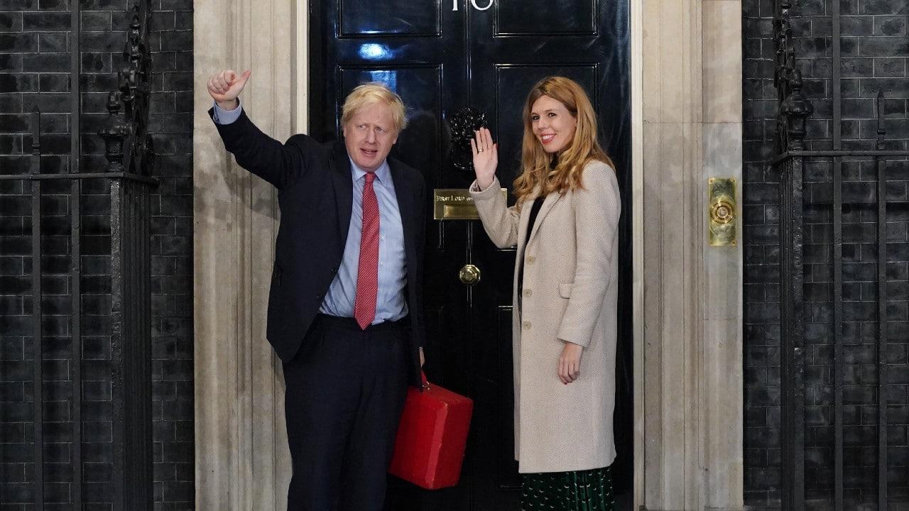 Boris Johnson y Carrie esperan un segundo bebé
