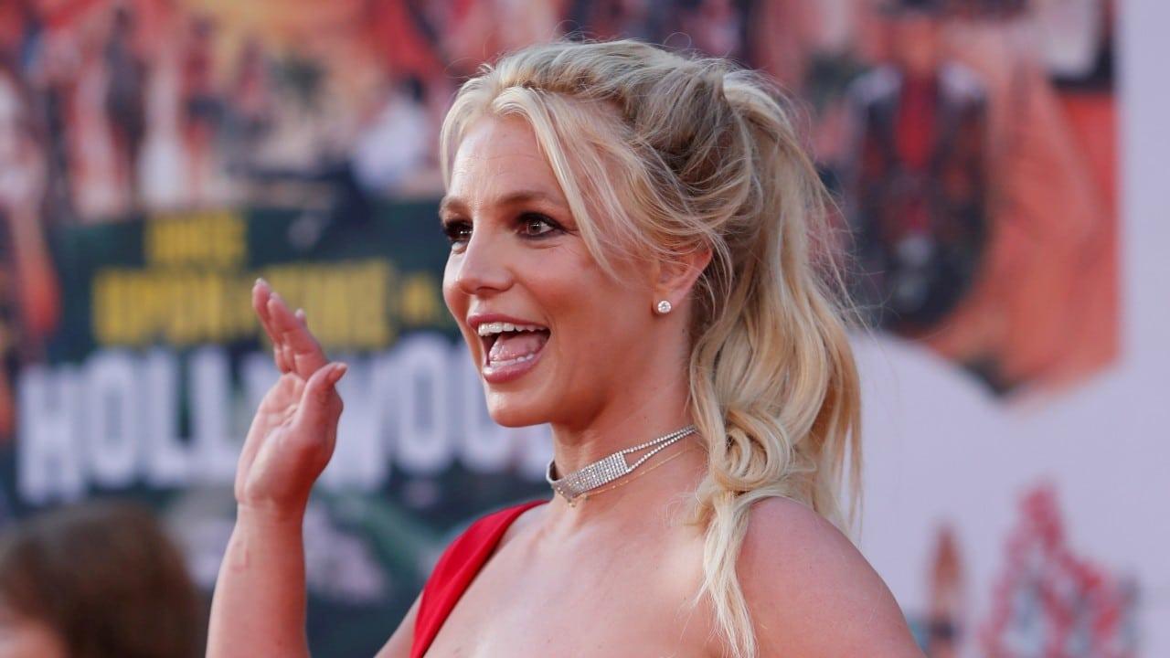 Autorizan a Britney Spears elegir a su abogado