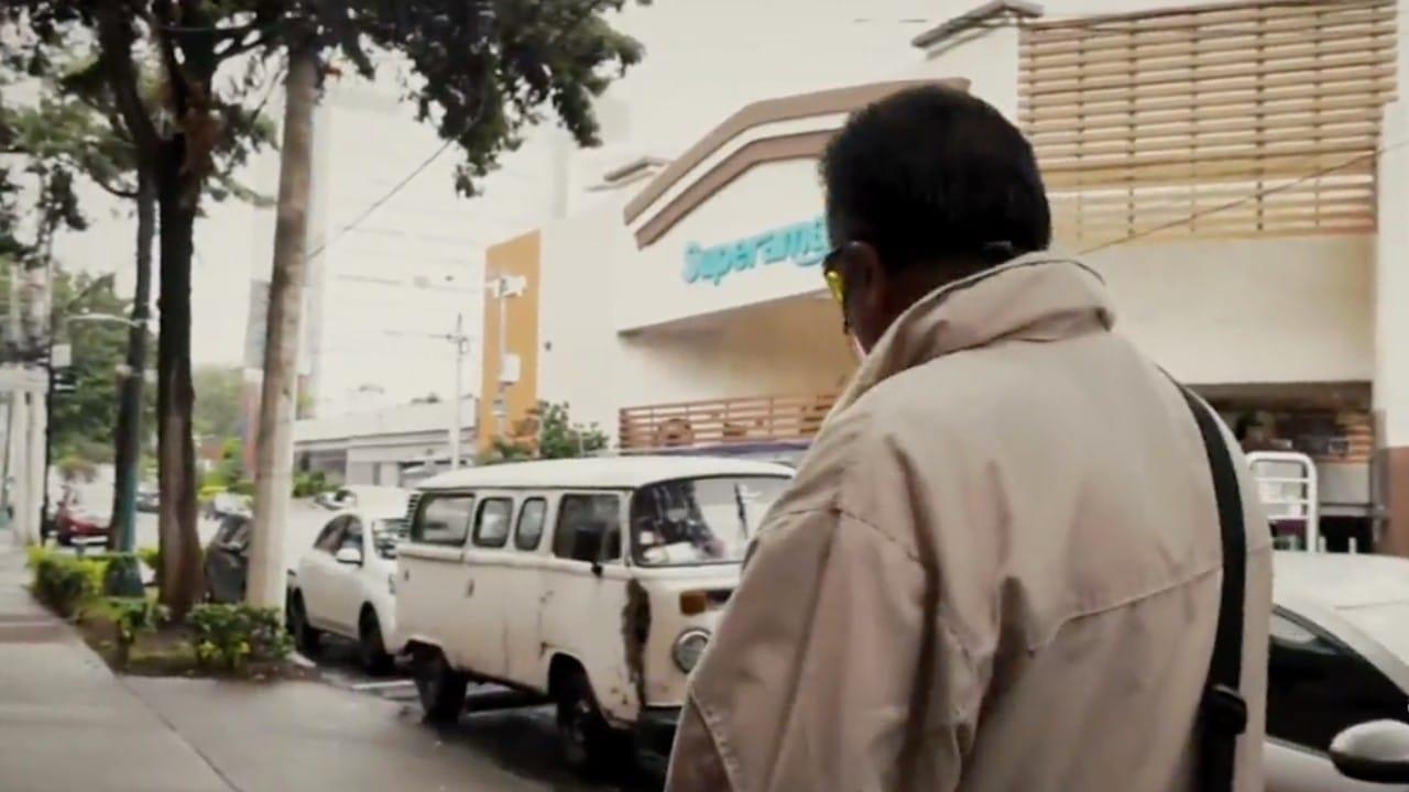 Cadena de supermercados da marcha atrás y reincorporará a empacadores adultos mayores vacunados