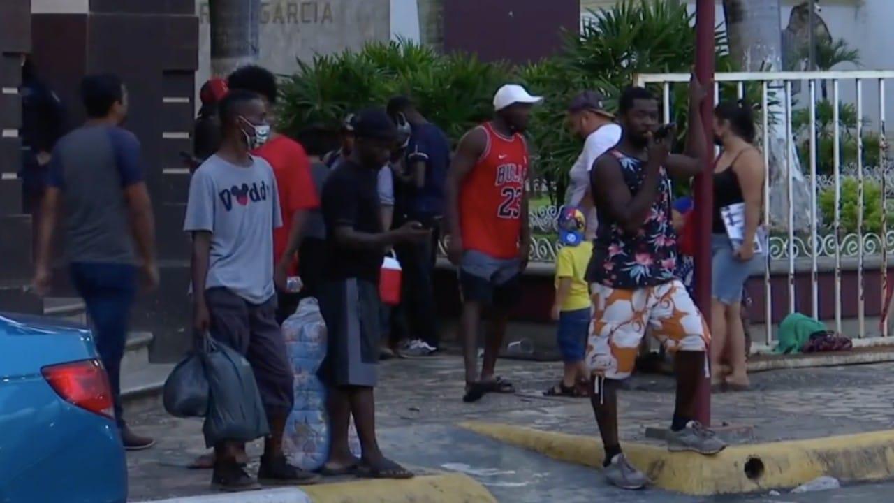 Migrantes no respetan medidas por el COVID-19 en Tapachula, Chiapas