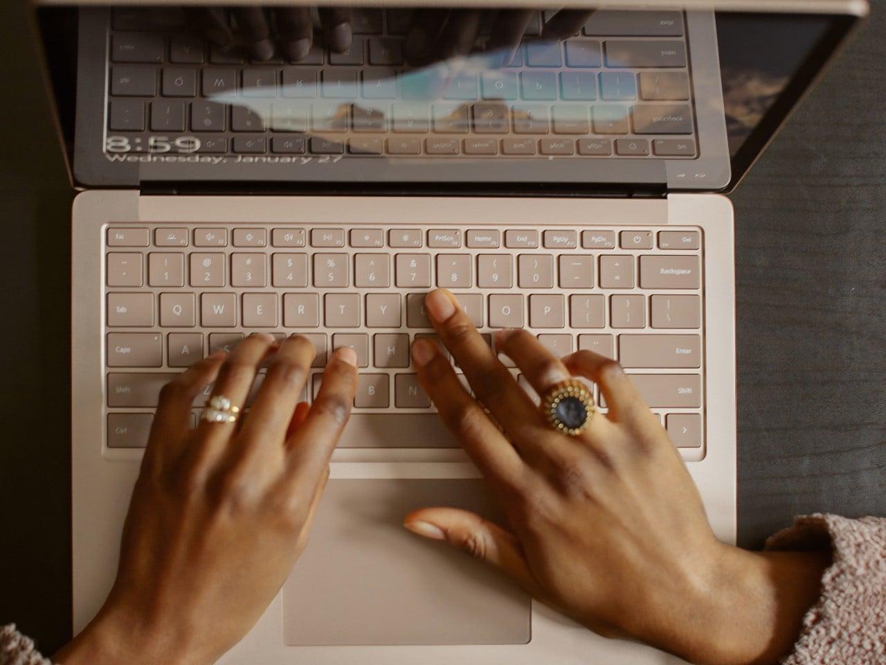 Cibersexo, riesgos legales