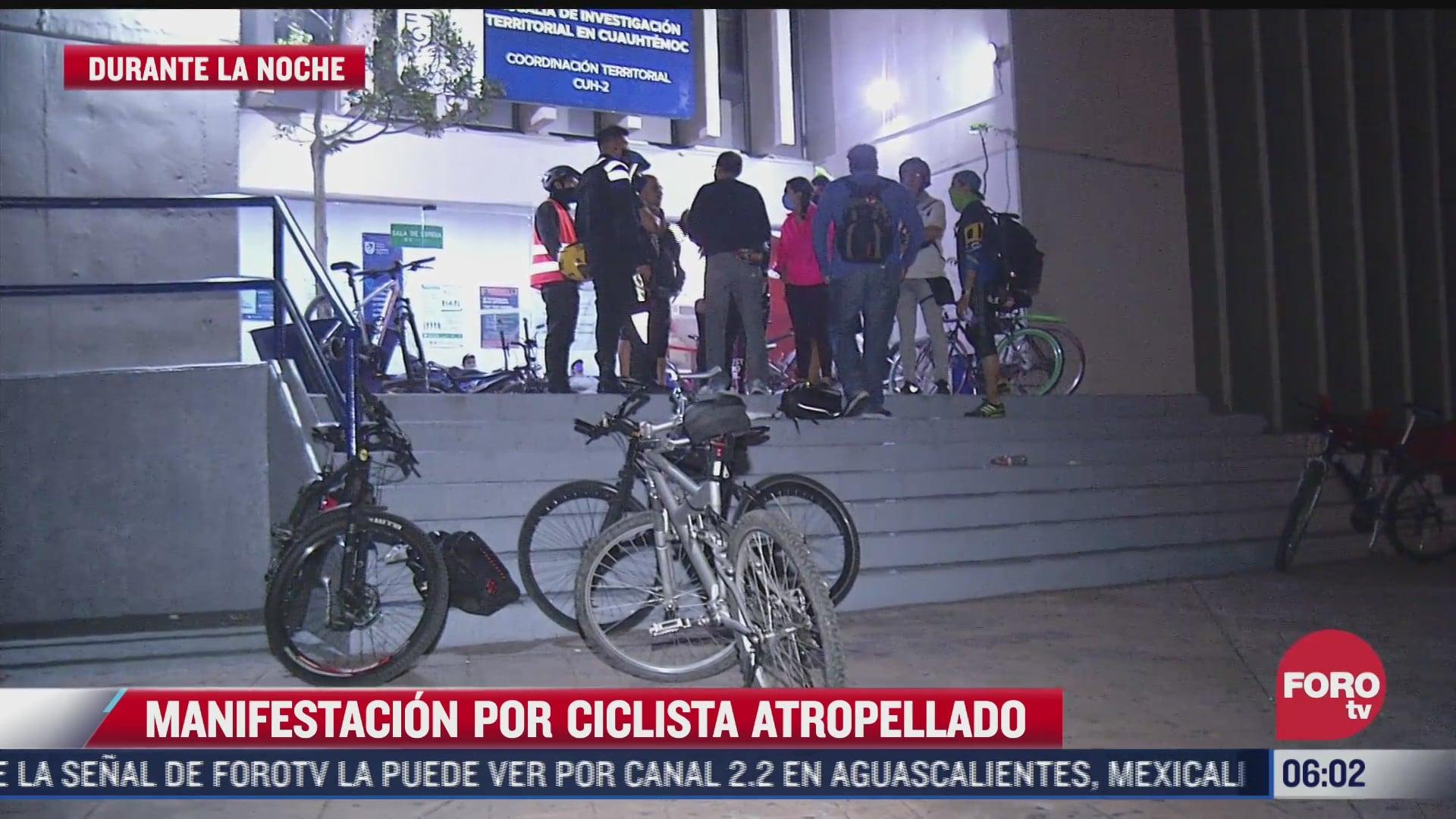 ciclistas protestan frente al ministerio publico de cuauhtemoc por companero atropellado